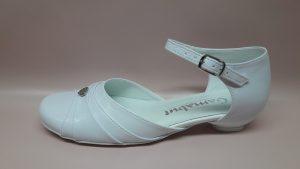 322 – Białe buty komunijne z ozdobnym serduszkiem